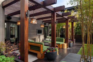 Contemporary Style Pergola with Large Boxed Beams